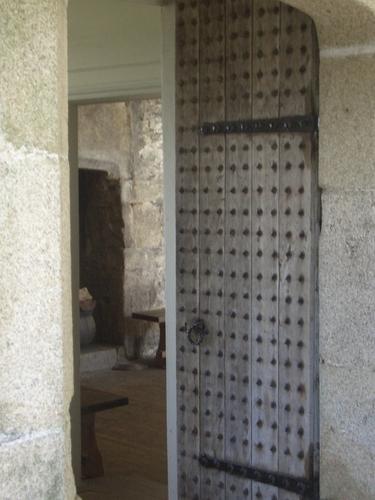 [Picture: Pendennis Castle 28: Wooden door]
