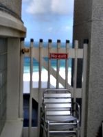 [picture: No access to the beach 3]