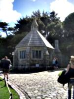 [picture: Porter's Lodge]