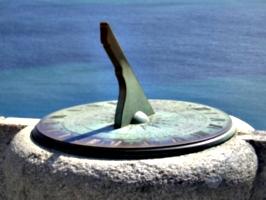 [picture: Sundial]