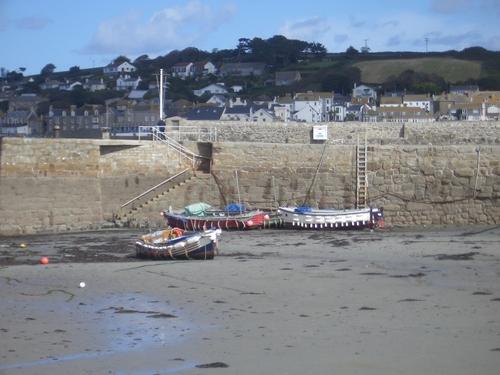 [Picture: Castle harbour 2]