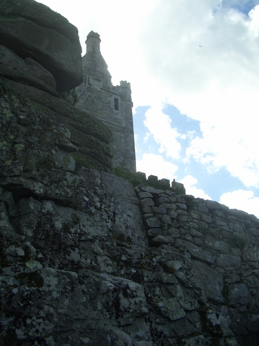 [Picture: First glimpse of the castle 3]