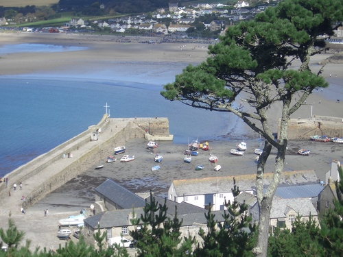 [Picture: Castle harbour 6]