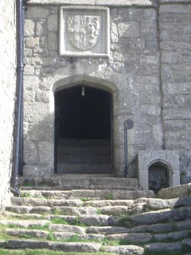 [Picture: Castle entrance]