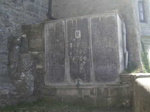 [Picture: 1784 water tank 2]