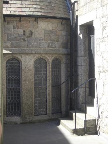 [Picture: Chapel from the outside]