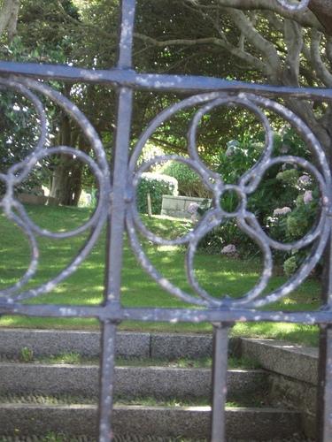 [Picture: Quiet graveyard 2]
