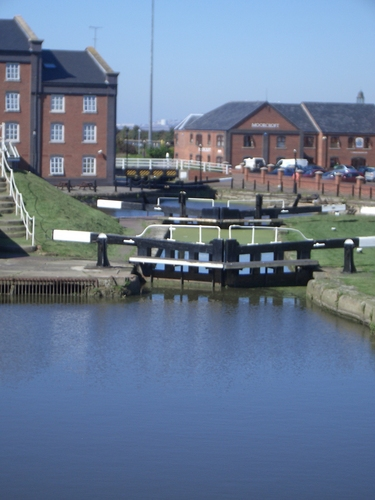 [Picture: Canal locks 2]