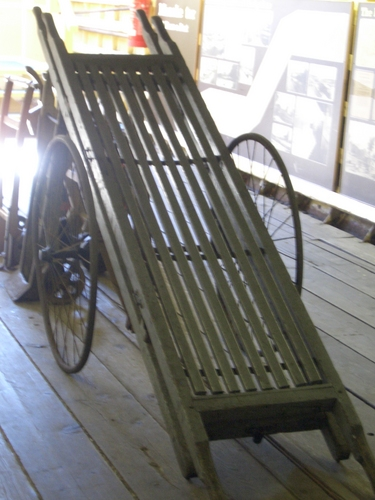 [Picture: hand cart]
