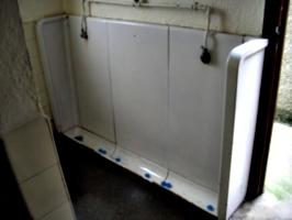 [picture: Porthallow Public Toilet 3]