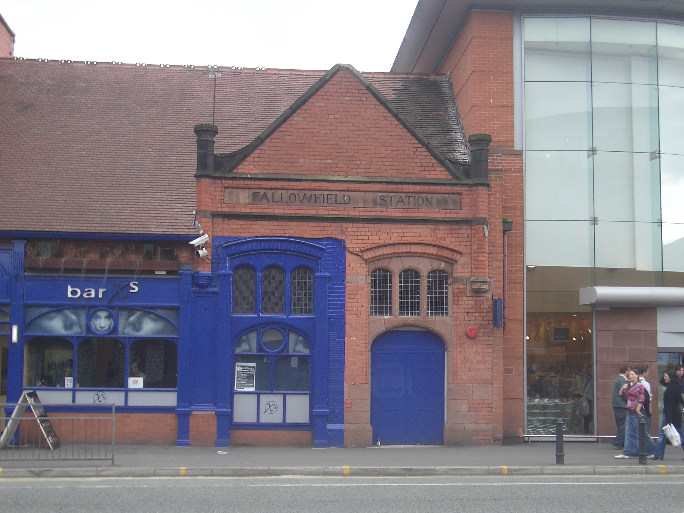 [Picture: Fallowfield Station Xs]