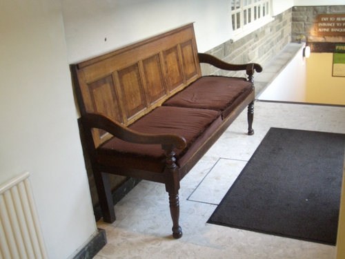 [Picture: Church pew bench 2]