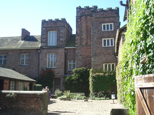 [Picture: Rufford Old Hall: Courtyard]