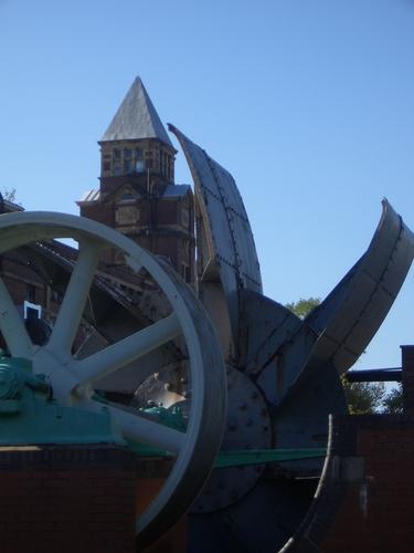 [Picture: Turbine outside mill]