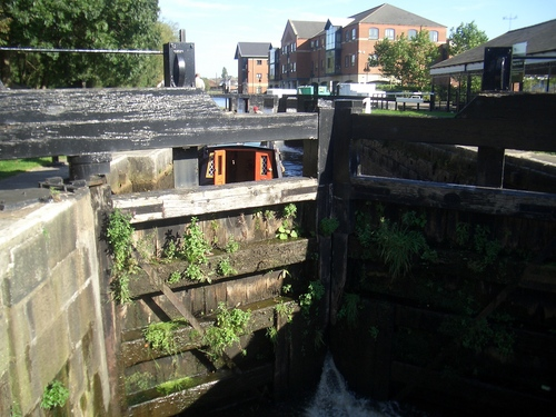 [Picture: Canal lock gates for panorama: 20]