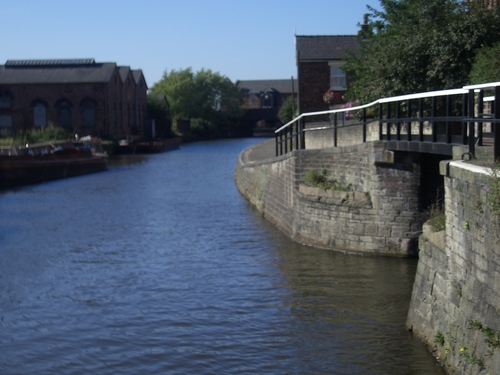 [Picture: canal with footbridge]