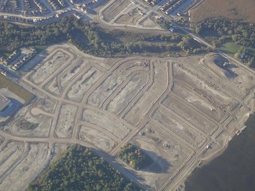 [Picture: Toronto: new housing estate]