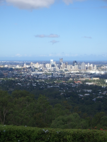 [Picture: Brisbane from the hilly thing 2]