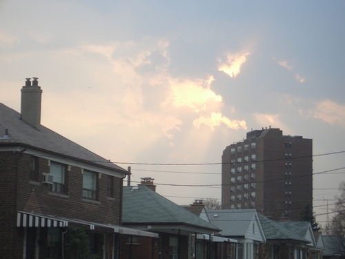 [Picture: Sunset over Lauder Avenue 1]