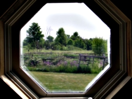 [picture: Octagonal window 5]