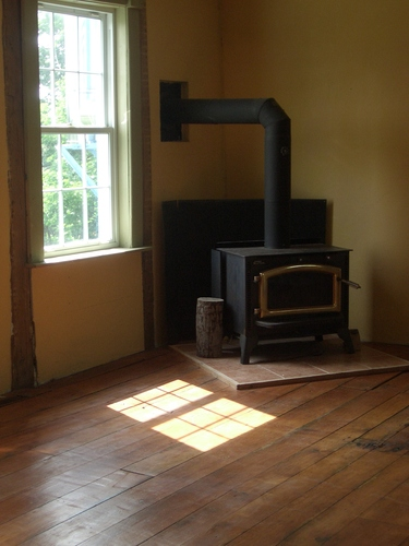[Picture: Wood stove 2]