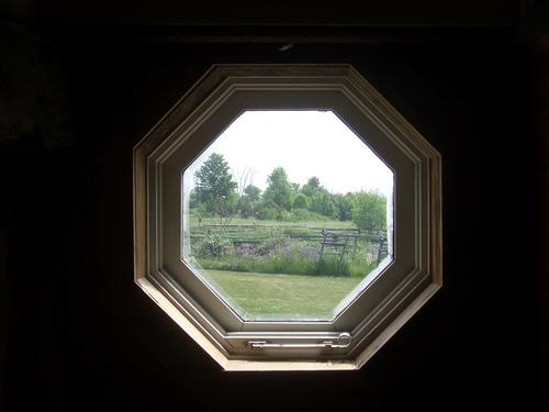 [Picture: Octagonal window 1]
