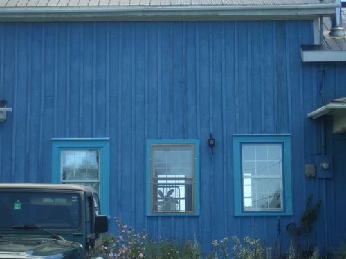 [Picture: Blue house 2]
