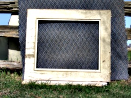 [picture: Old Picture Frame 3]