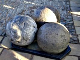 [picture: Cannon balls]
