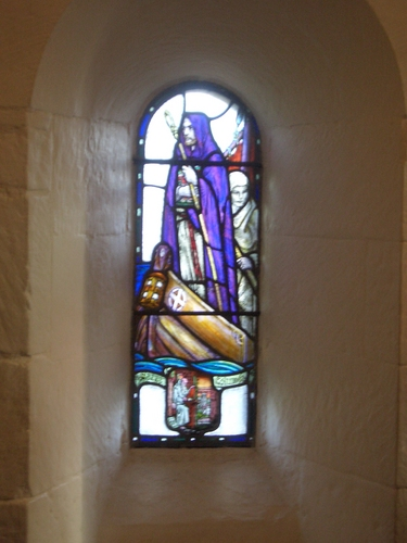 [Picture: Stained glass window in the chapel of St. Margaret]