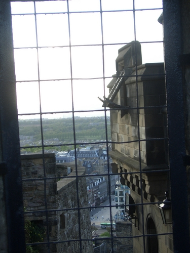 [Picture: Edinburgh from inside the castle]