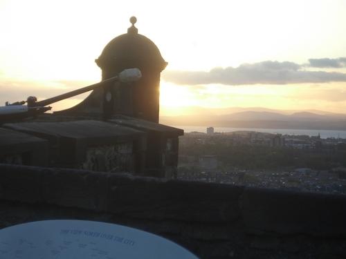 [Picture: Sunset over Edinburgh 4]