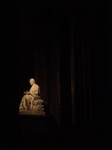 [Picture: Sir Walter Scott Memorial at Night 2]