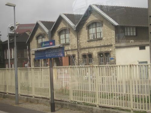 [Picture: La Courneuve Aubervilliers SNCF station 2]