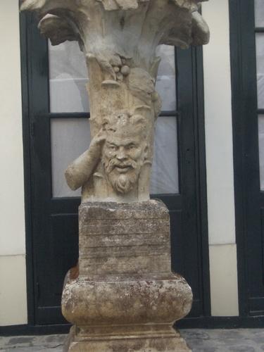[Picture: Broken statue]