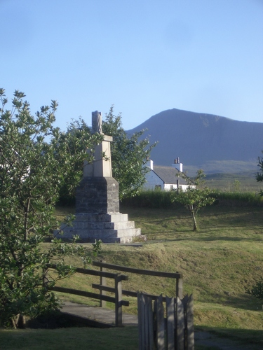 [Picture: Monument]