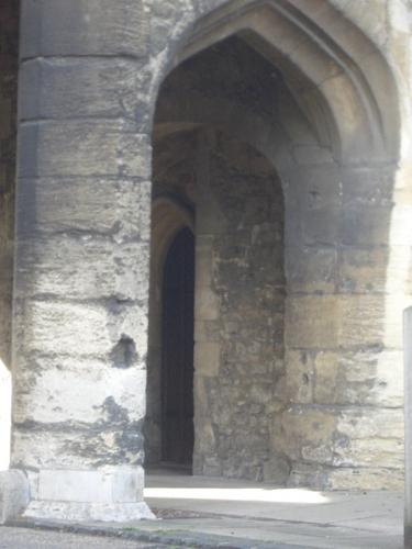 [Picture: Stone arch]