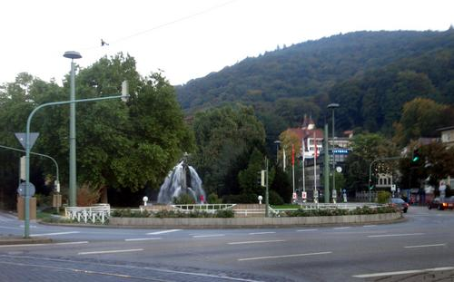 [Picture: Traffic Circle with Fountain]