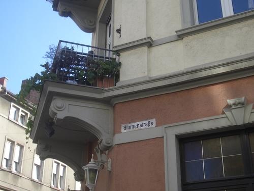 [Picture: Blumenstraße]