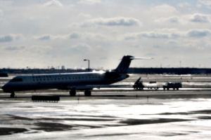 [picture: Chicago airport: United Airlines aeroplane 1]