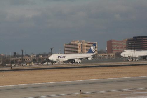 [Picture: Chicago airport: Polar aeroplane]