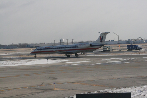 [Picture: Chicago airport: American Airlines aeroplane 2]