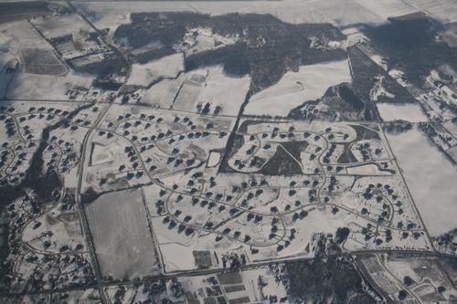 [Picture: Snowy Suburbia 1]