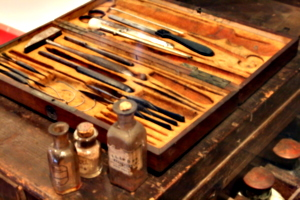 [Picture: Surgeon's Chest with Medicine and Post-Mortem Dissection Equipment 4]