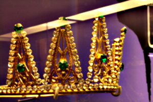 [picture: Blurry Crown 2]