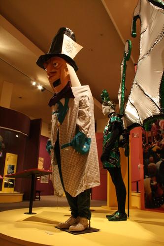[Picture: Mad Hatter Mardi Gras Costume 2]