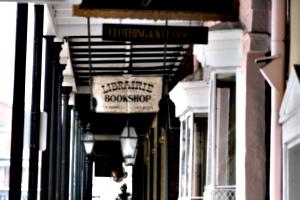 [picture: Libraire Bookshop]