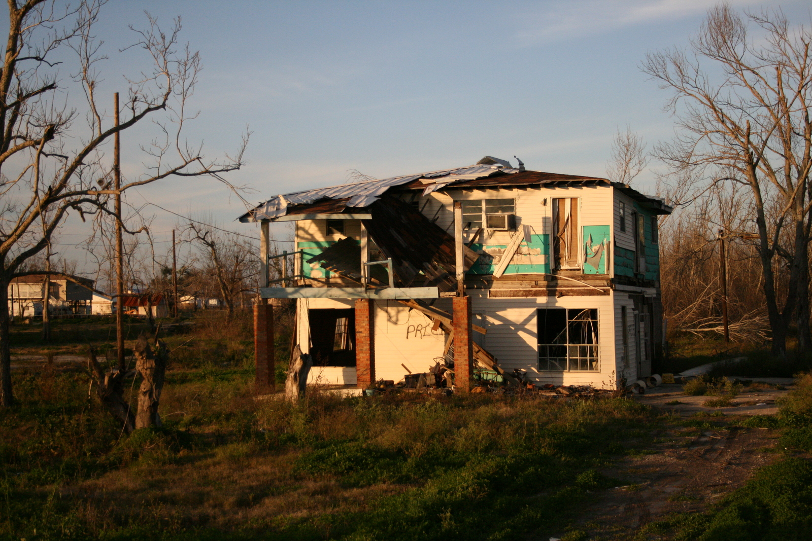 [Picture: Ruined House 2]