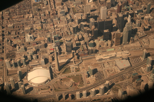 [Picture: Toronto from the air 17]