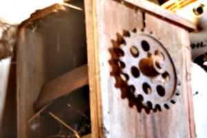 [picture: Farm machine 2]